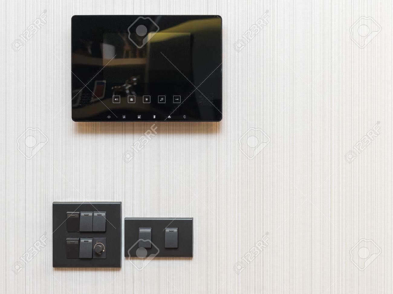 video-türsprechanlage mit elektrischer schalter lizenzfreie fotos