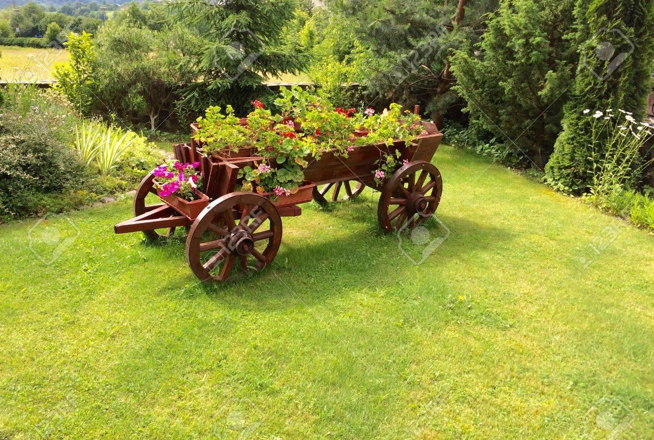 Flower Bed An Old Wooden Cart Flowerbed Grass Lawn Garden Design