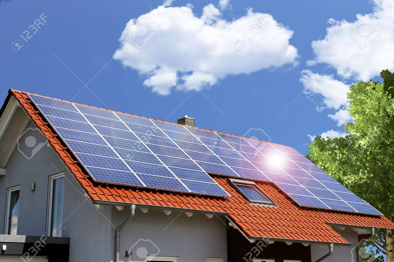 Roof with solar panels - 78585008