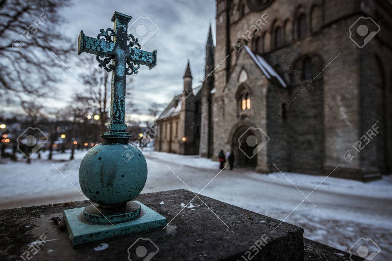 A cross photographed outside a church in Norway Standard-Bild - 28463487