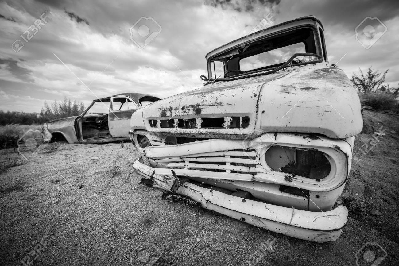 Scrap vintage car in the desert in Namibia Standard-Bild - 28463489