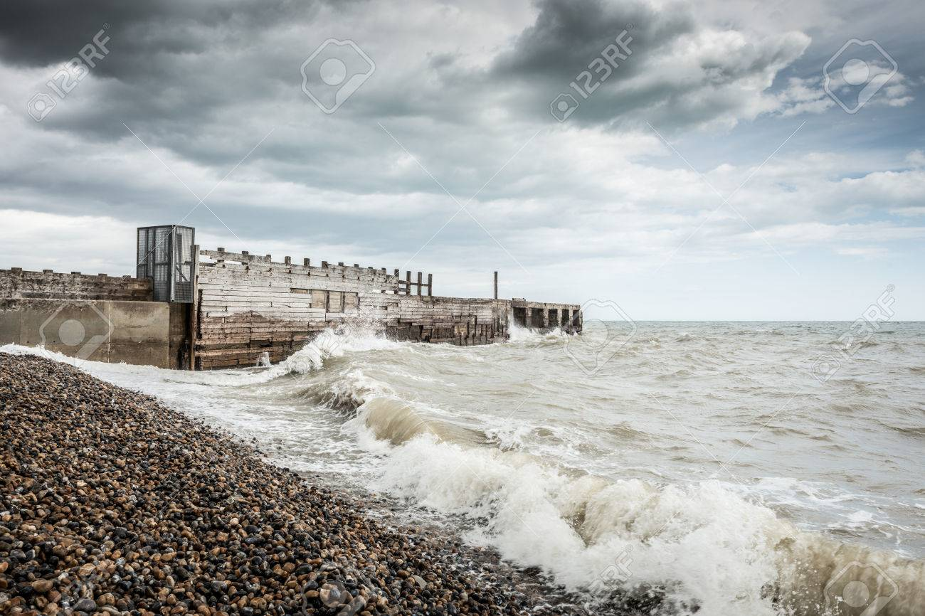 A stormy day at the beach in Rye, Kent, England Standard-Bild - 29688564