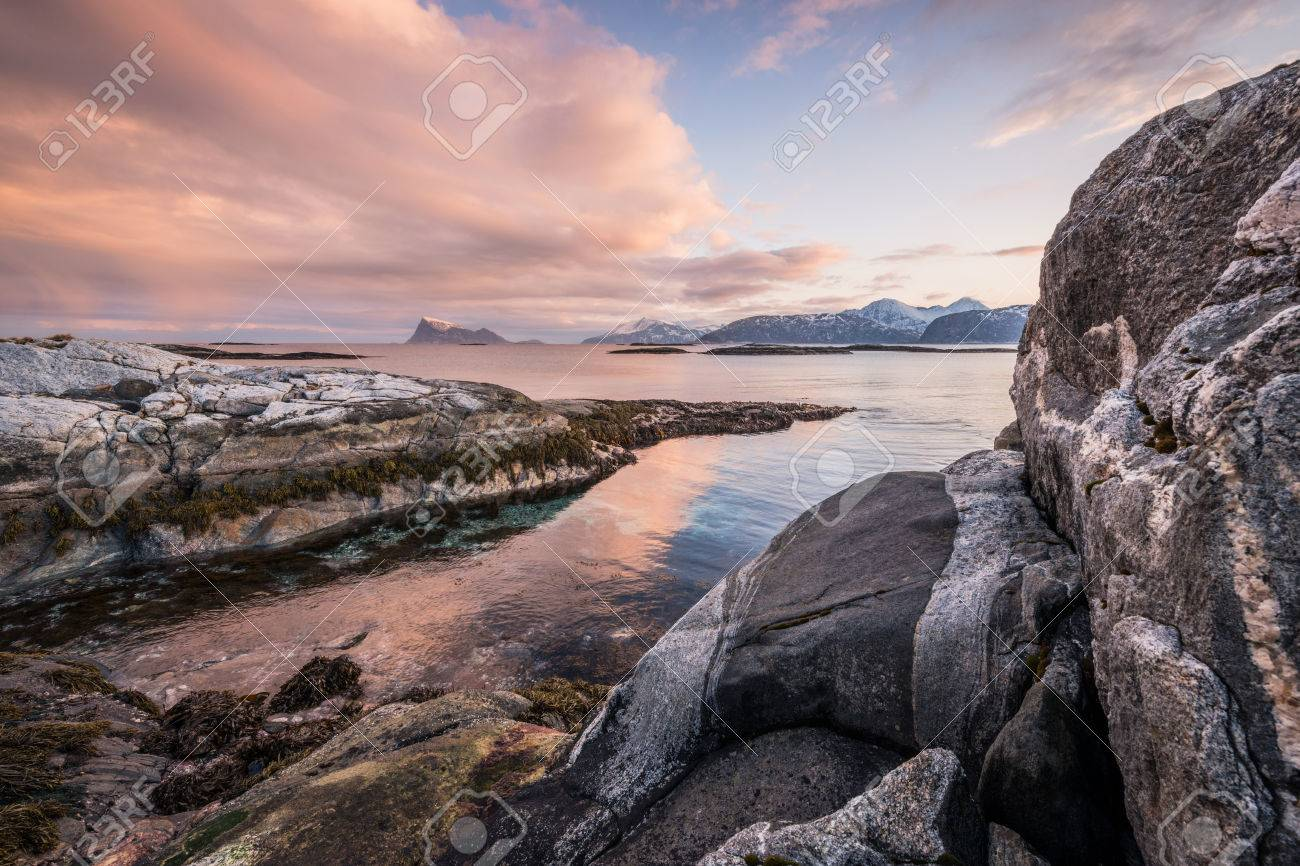 Early morning photograph of a scenic seascape in Sommaroy, Norway Standard-Bild - 29688565