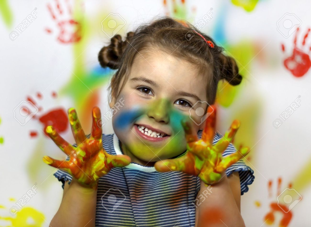 <b>Kid playing</b> with paint (kids, painting, dirty) - 13747400-Kid-playing-with-paint-Stock-Photo-kids-painting-dirty