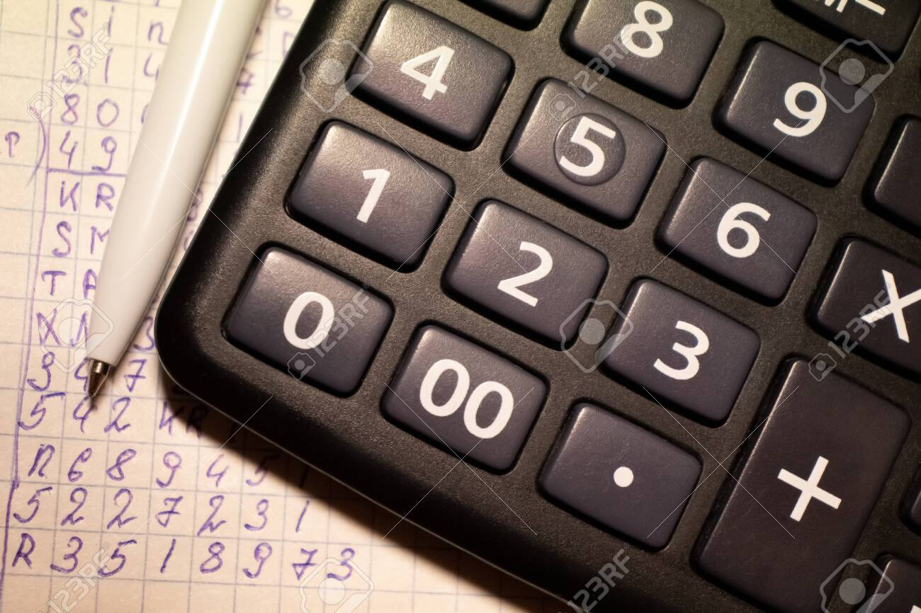 calculator and costing, tax payment, accountant work - 136842363