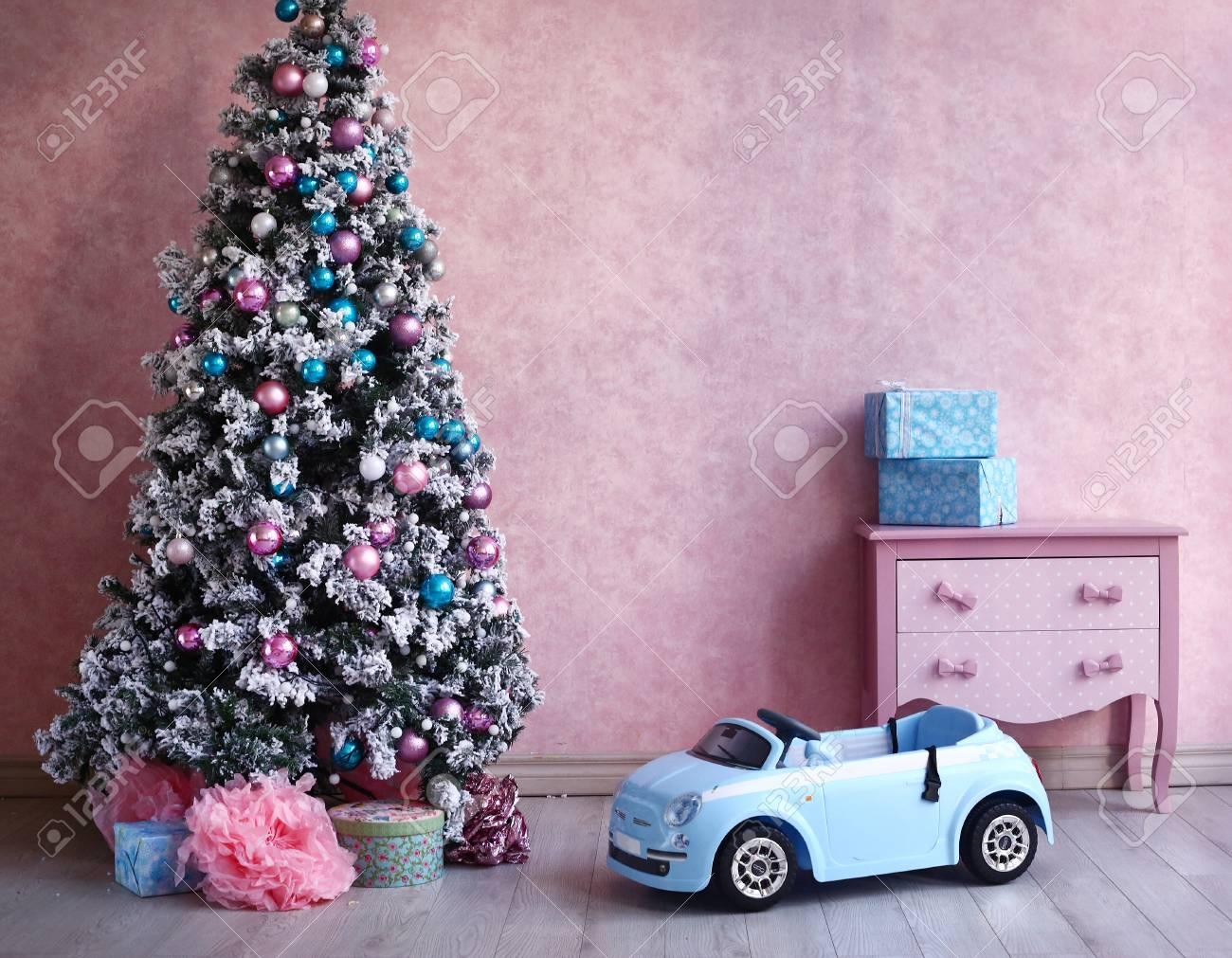 Albero Di Natale Rosa.Rosa Pulcino Shabby Retro Sala Interna Con Decorazione Dell Albero Di Natale