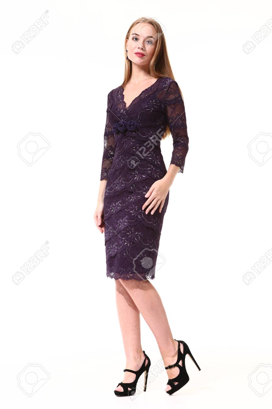 Mujer De Negocios De Moda Iblond En Vestido Formal Zapatos De Tacón Alto Foto De Cuerpo Entero Aislados En Blanco