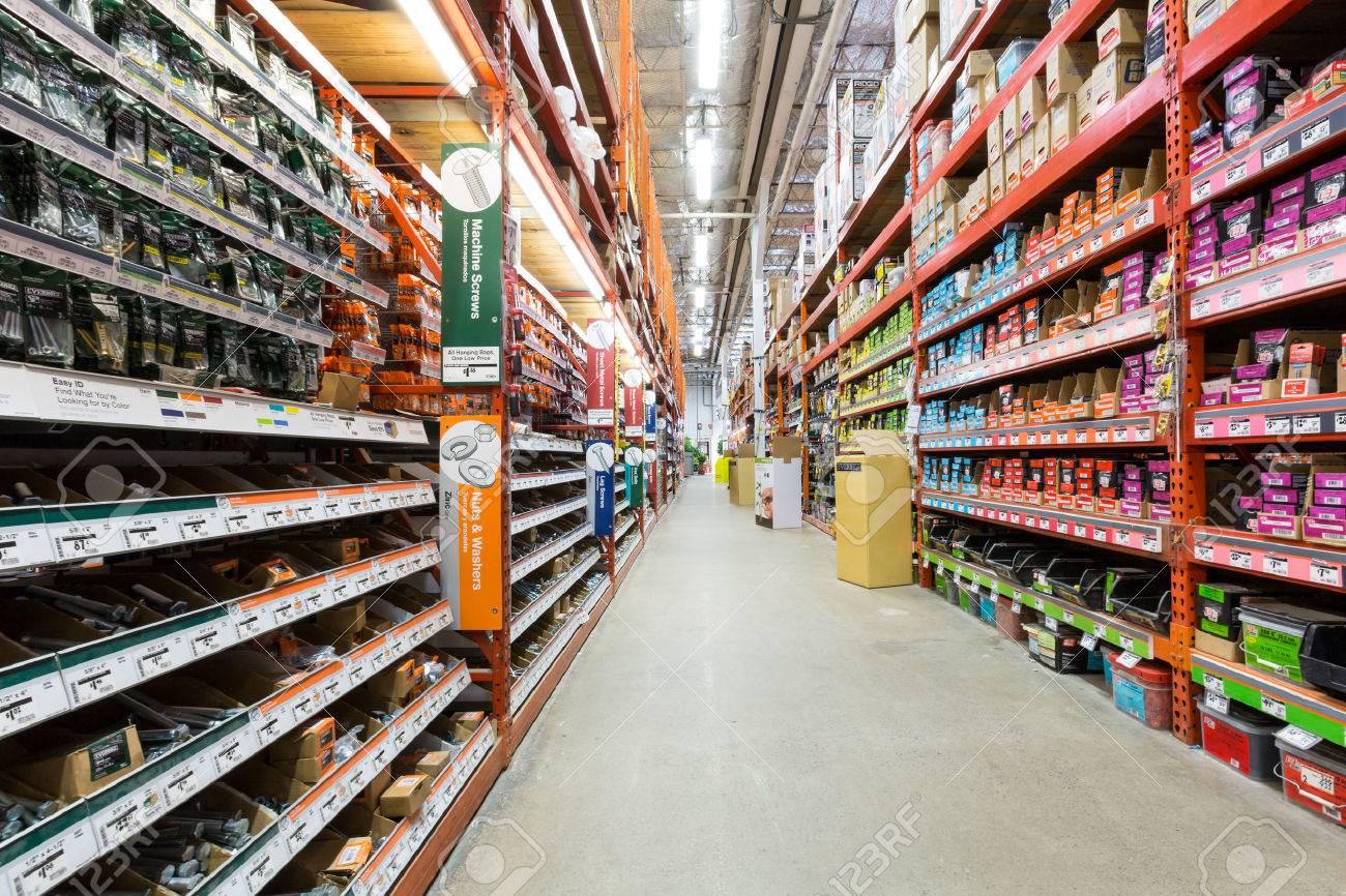Gang In Einem Home Depot Baumarkt Home Depot Jährlich Ist Die Größte ...