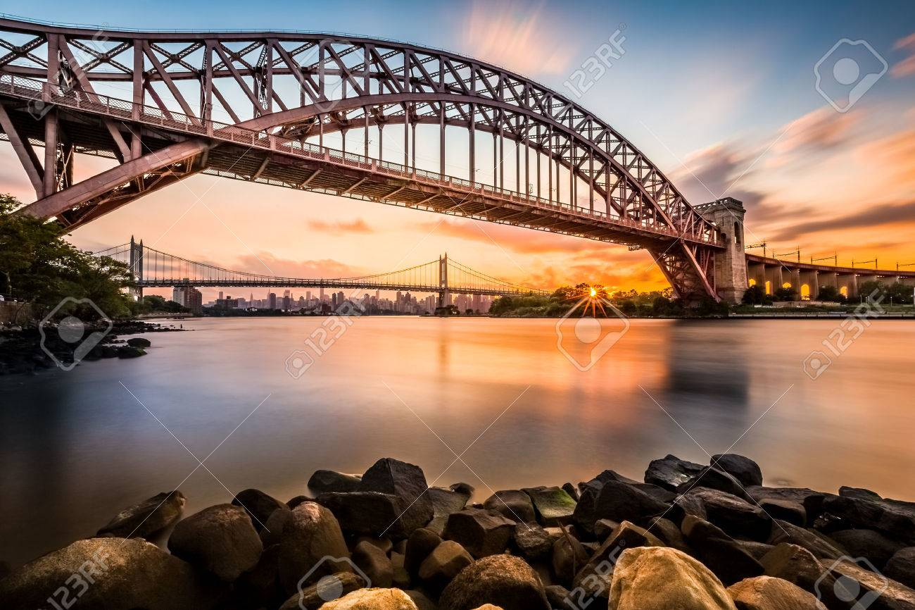 Hell Gate and Triboro bridge at sunset, in Astoria, Queens, New York - 31401437