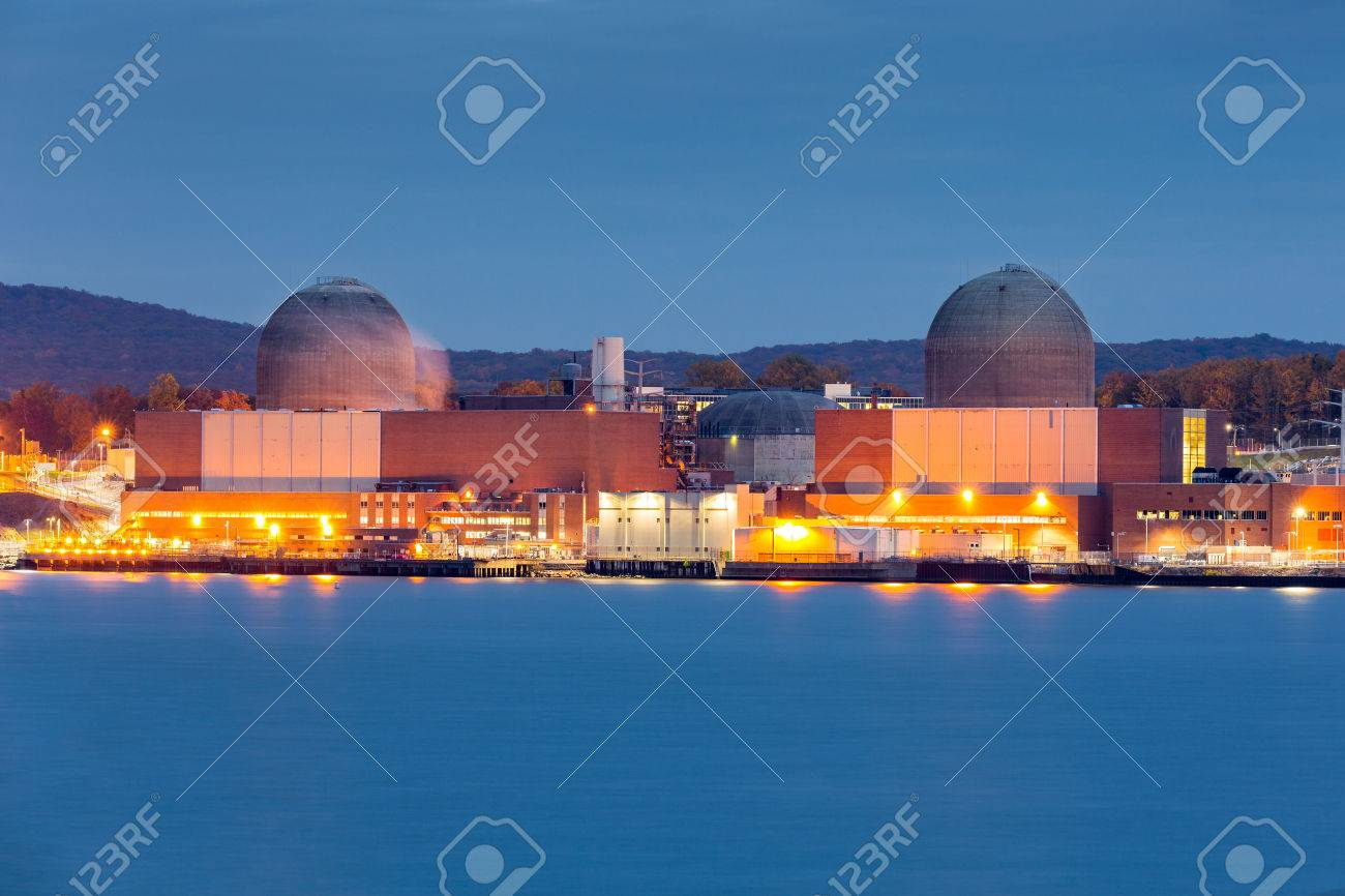 Nuclear power plant on the Hudson River, north of New york City - 47907353