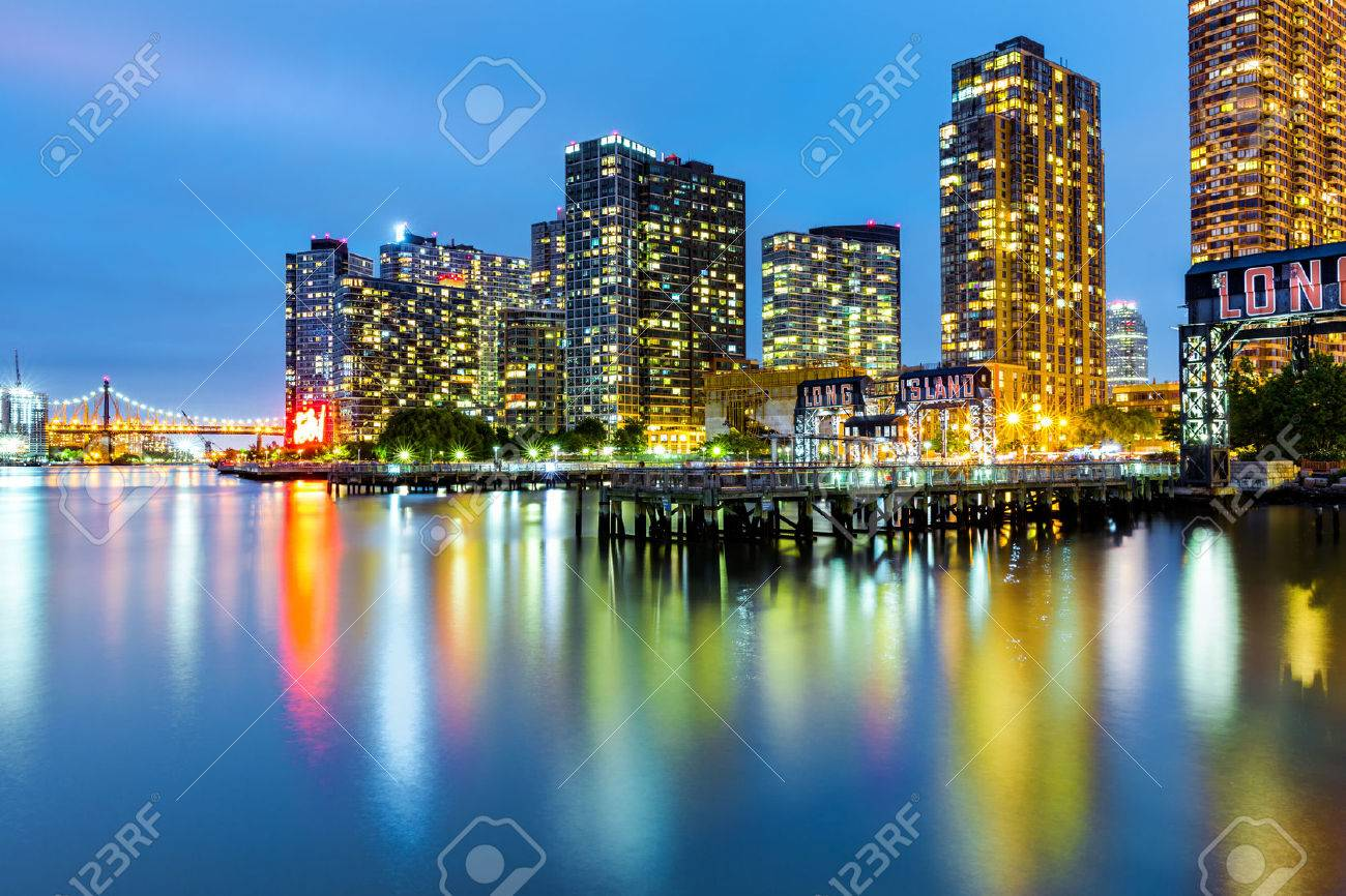 Long Island City skyline at dusk. LIC is the westernmost residential and commercial neighborhood of the NYC borough of Queens - 59199088