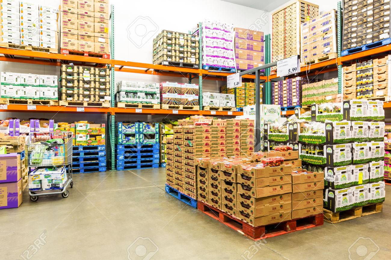 EAST HANOVER, NJ, USA - SEPTEMBER 27, 2104: Fresh Produce cold room in a Costco store. Costco Wholesale Corporation, a membership only warehouse club, is the second largest retailer in USA. - 84841389