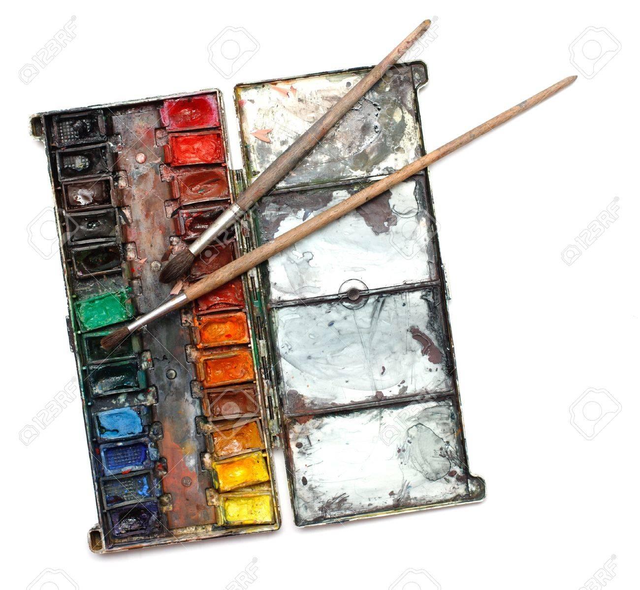 Boite De Peinture Aquarelle Avec Des Brosses En Desordre Banque D Images Et Photos Libres De Droits Image 15801577