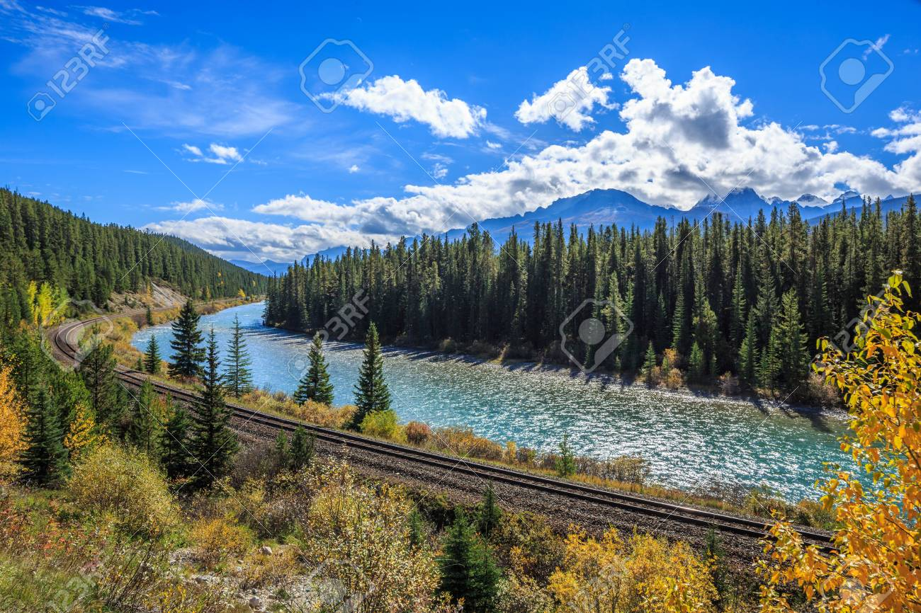 Bow Valley Parkway in Banff National Park, Alberta, Canada - 33706292