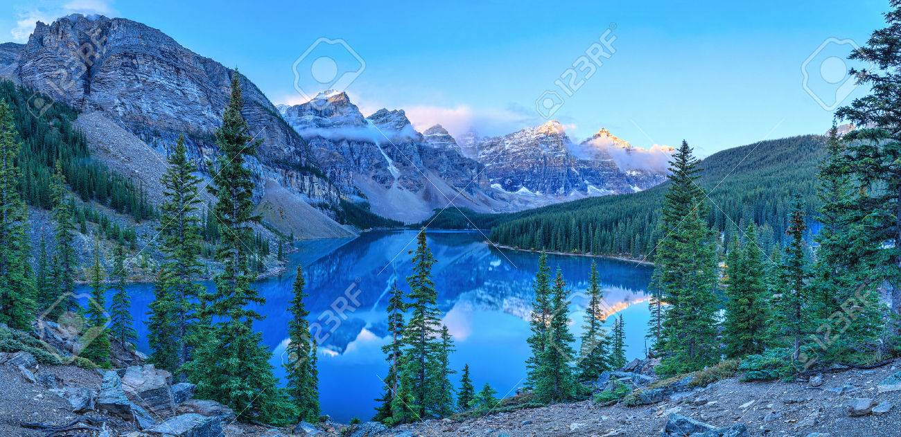 Moraine Lake, Banff National Park, Alberta, Canada - 33706352