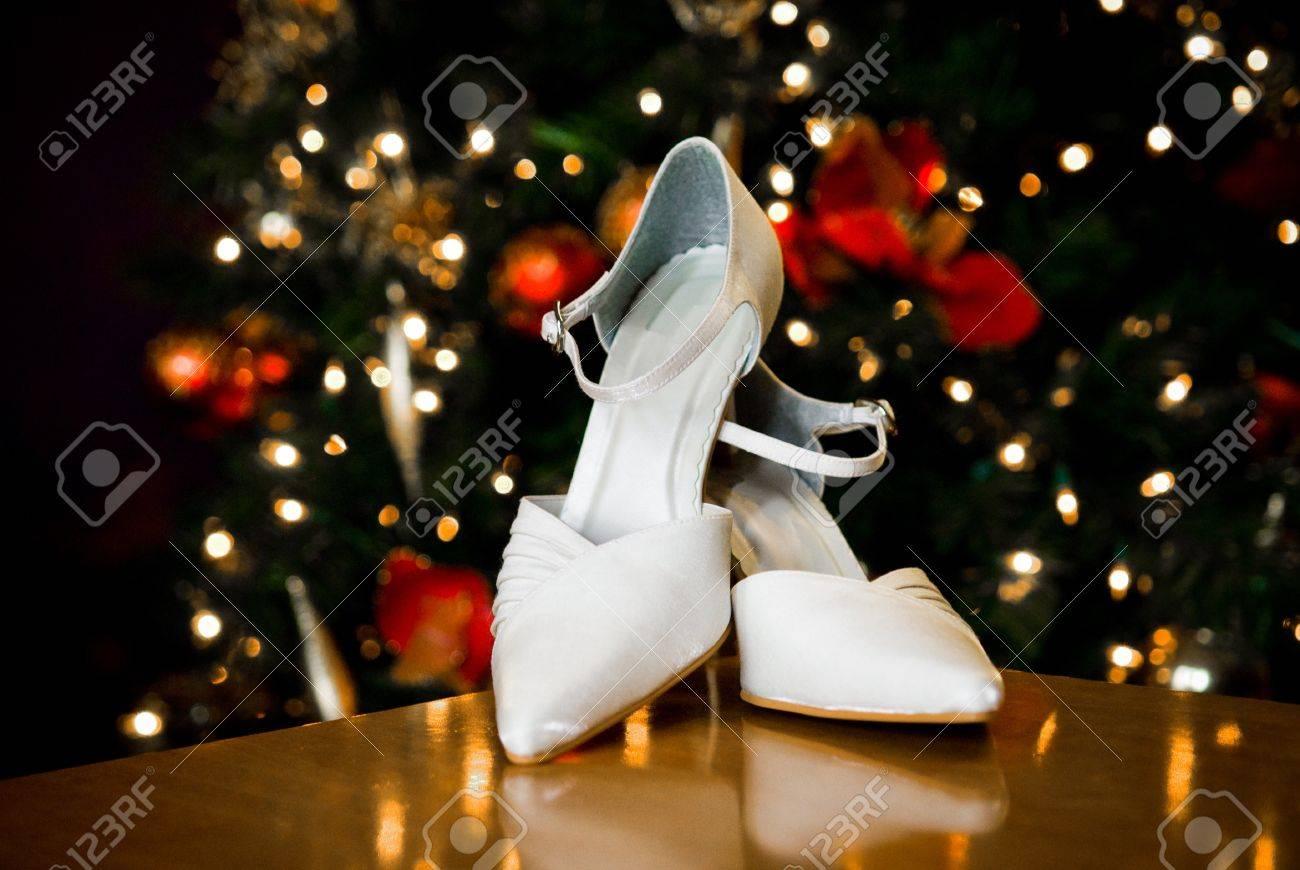 D Et De Fond Noël Élégant Mariage Chaussures Un Avec 2EHID9