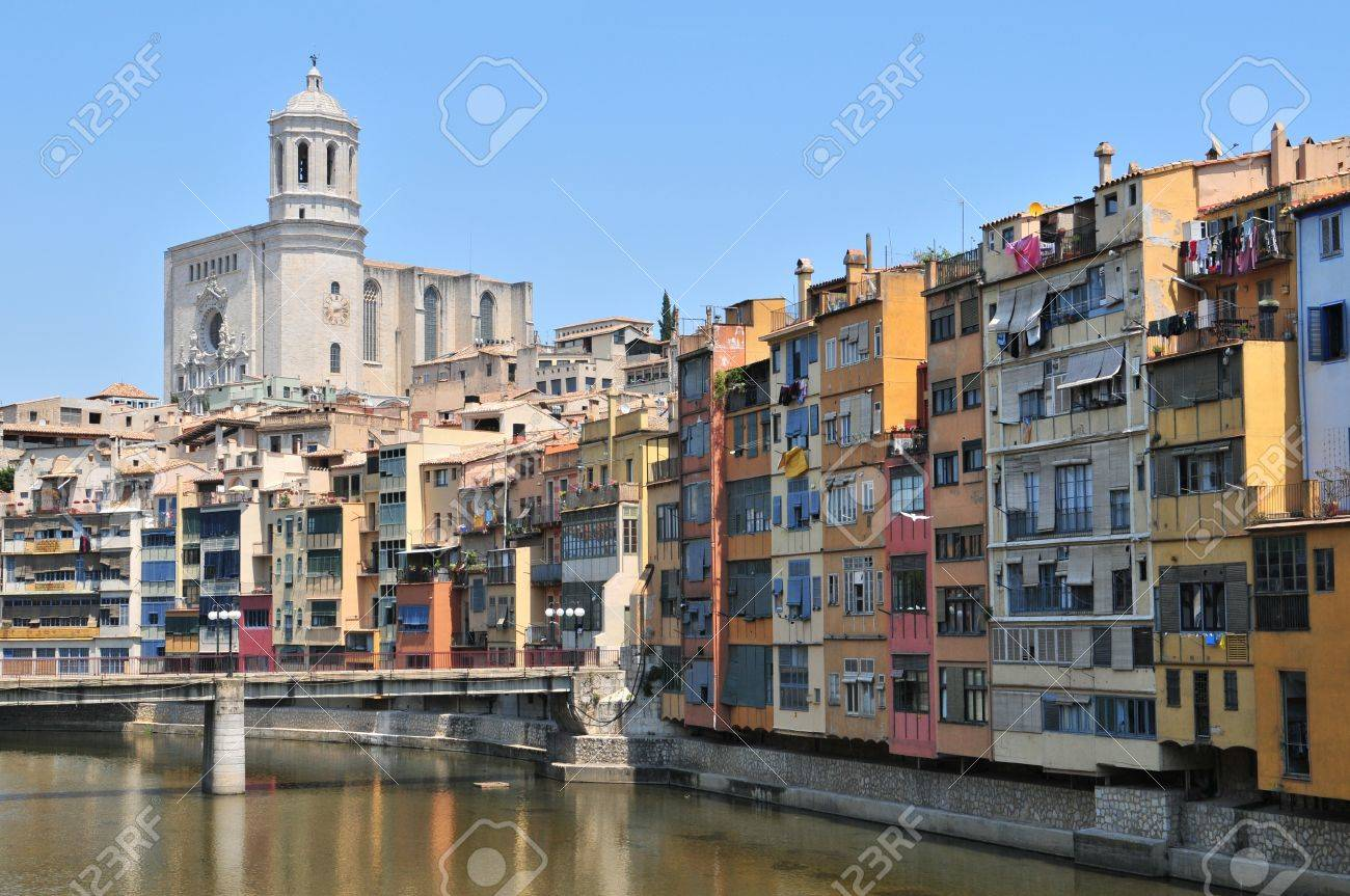 Colorful houses and apartments by the river Onyar in the historic city of Girona, Catalonia, Spain Stock Photo - 11881185