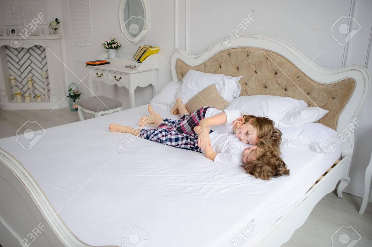 frech schlafzimmer spiele