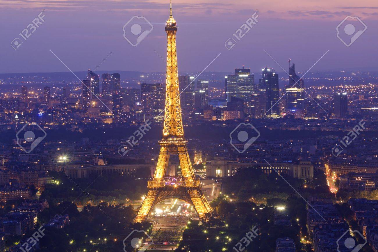 PARIS - July 20 : Eiffel tower at night on July 20, 2010 in Paris. The Eiffel tower is the most visited monument of France. Stock Photo - 7659708