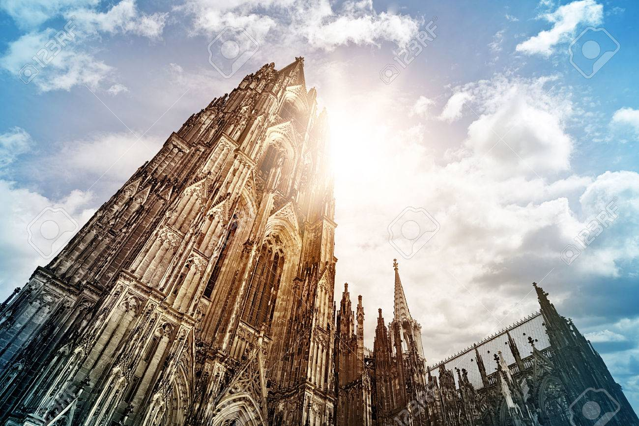 Cologne Cathedral (Kölner Dom) in the morning sun, Cologne, Germany - 32561483