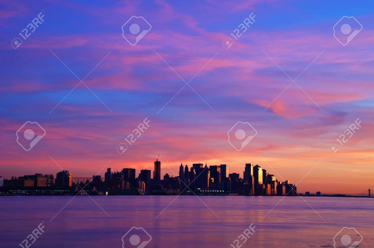 photo of new york cityscape skyline at night, nyc, usa Stock Photo - 6081556