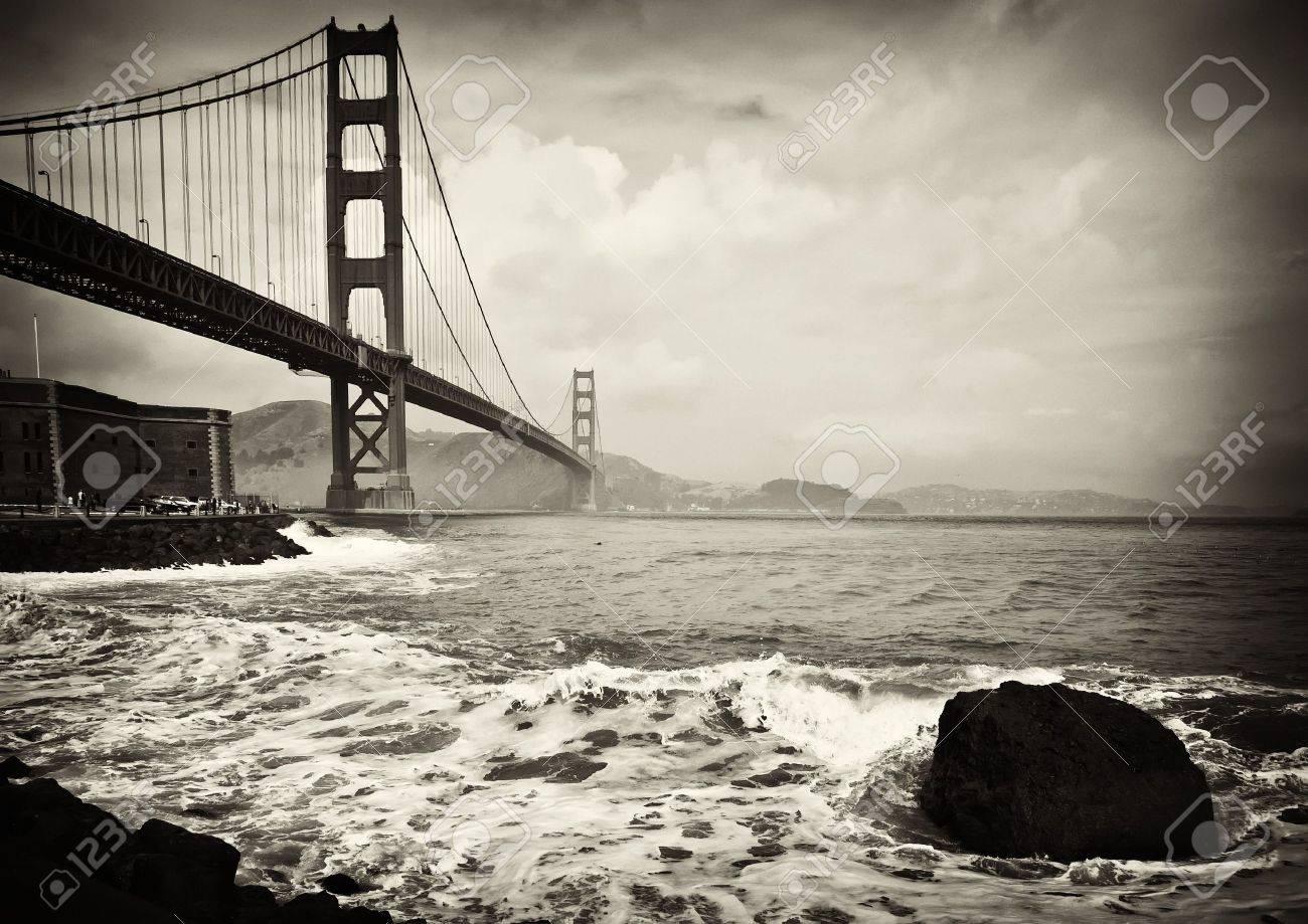 photo beautiful b&w golden gate bridge in san francisco - 6564459