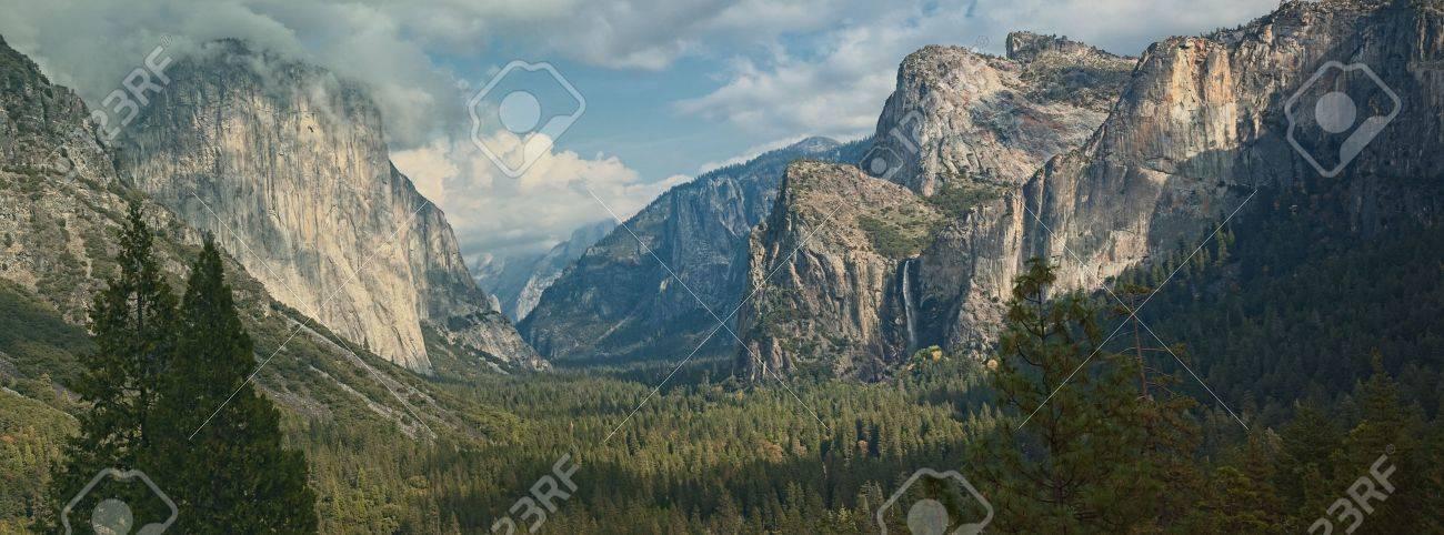 Photo Yosemite national park, el capitan mountain, panoramic scenic landscape. Stock Photo - 13368722