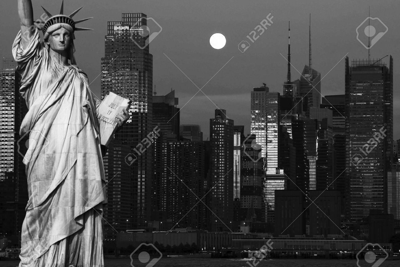 photo new york city black and white hi contrast - 14004164