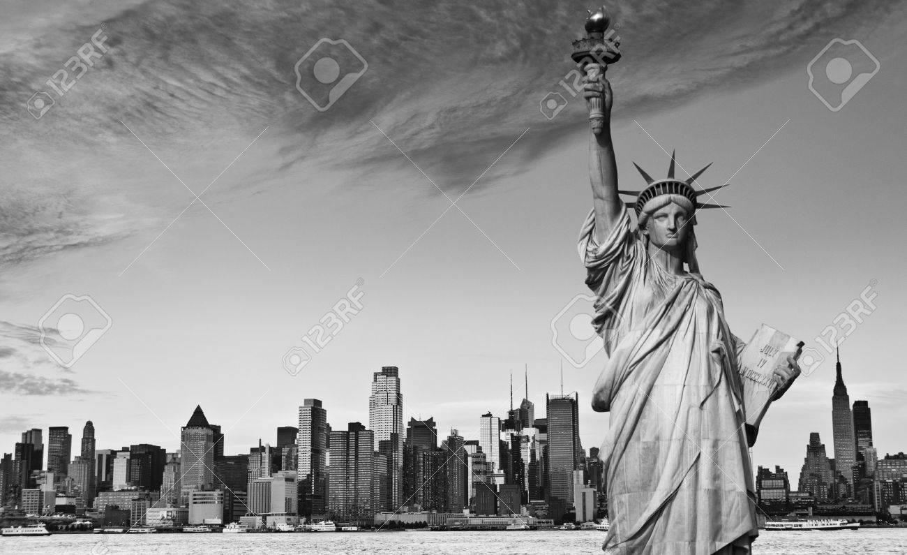 photo new york city black and white hi contrast - 14004197