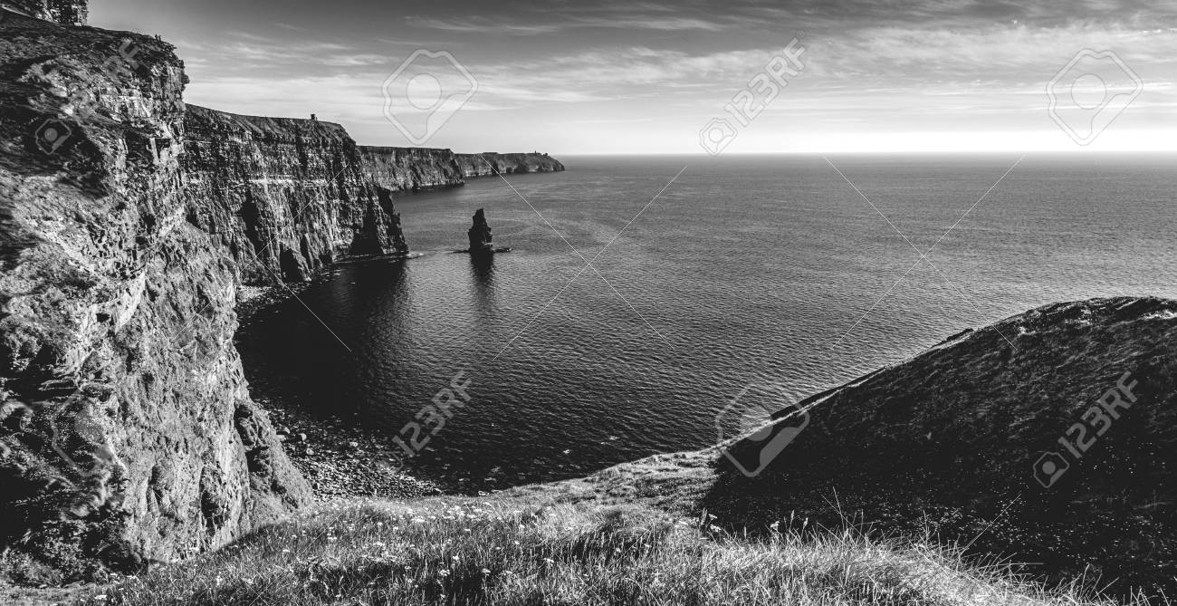 Black and white picture of the world famous cliffs of moher in county ireland beautiful