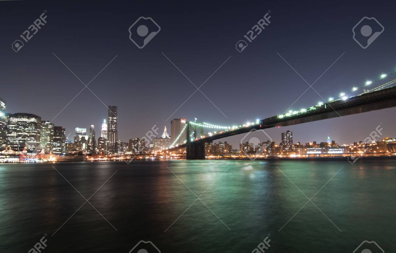 Manhattan and Brooklyn Bridge from Brooklyn Stock Photo - 8180326
