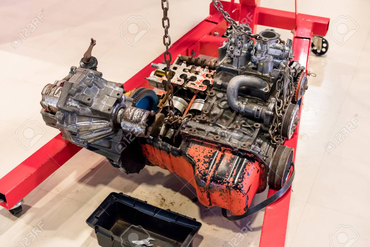 Used Car Engines >> Used Car Engine For Display In Exhibition