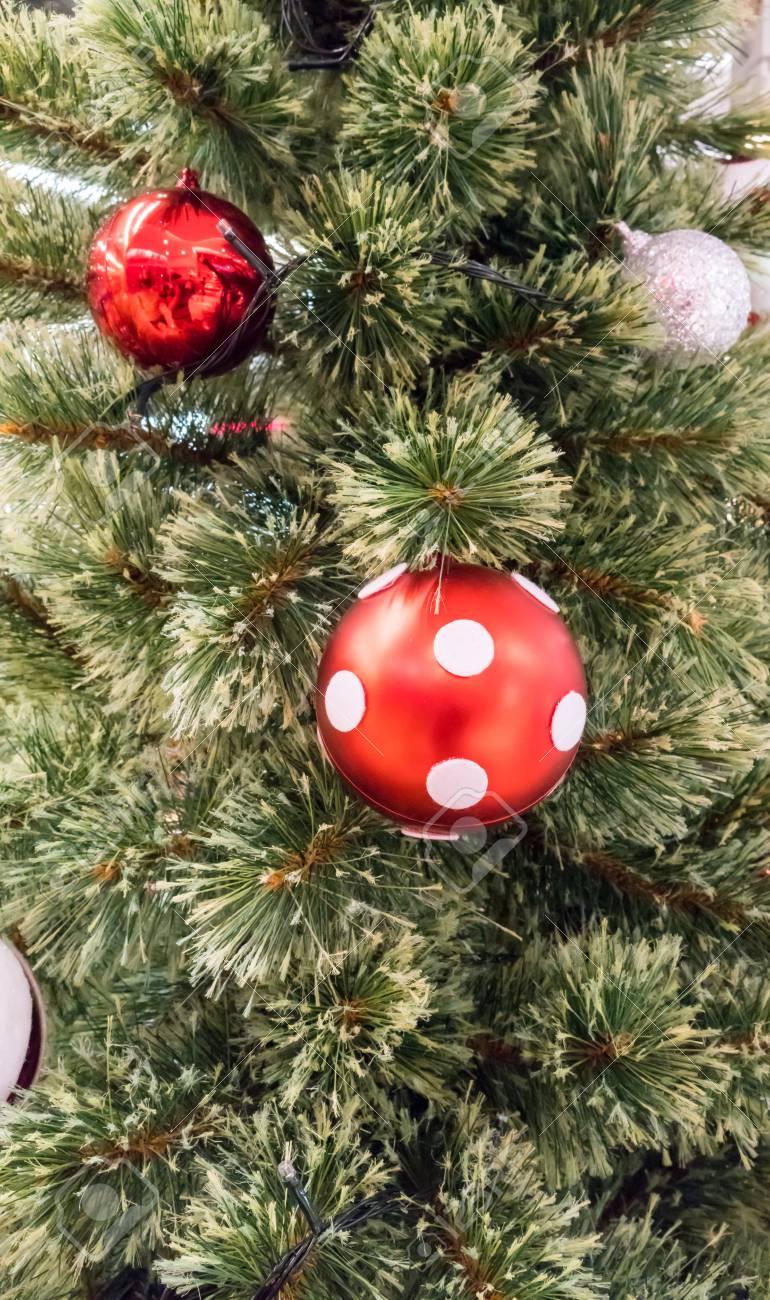 Rot weisser weihnachtsbaum