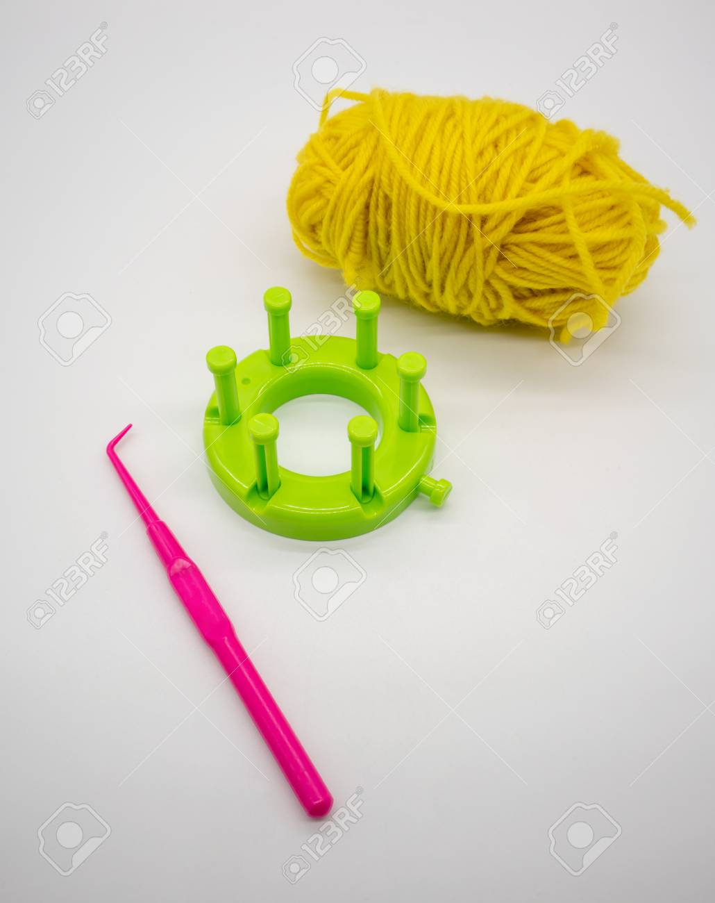 Round Knitting Loom Kit Pink Knitting Needle And Bright Green