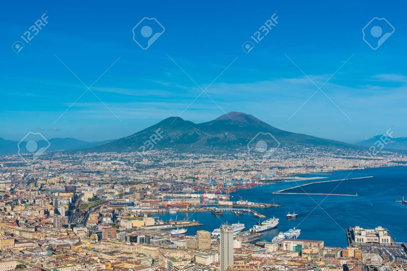 Immagini Stock Napoli Campania Italia Il Centro Storico Della