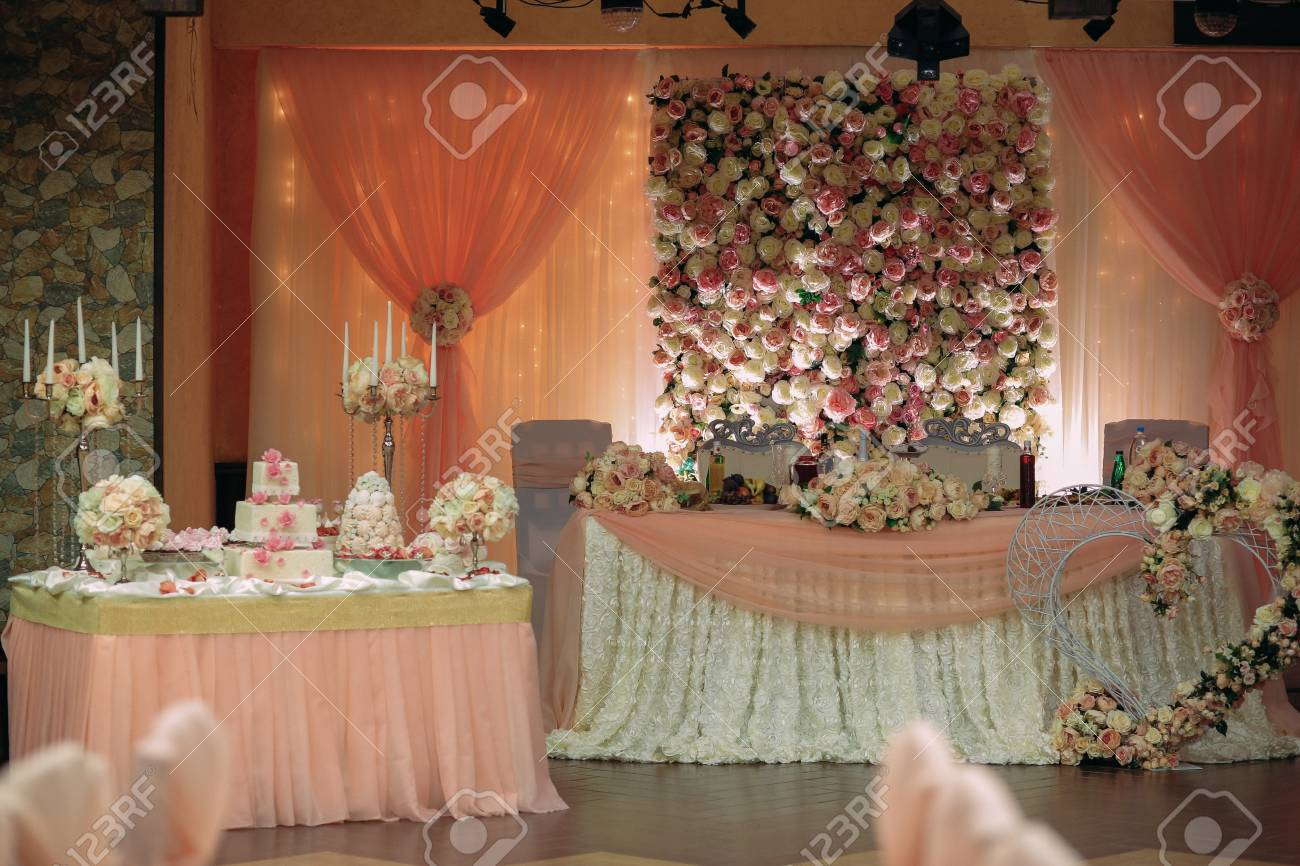the decoration of the banquet hall for a wedding - 74793601