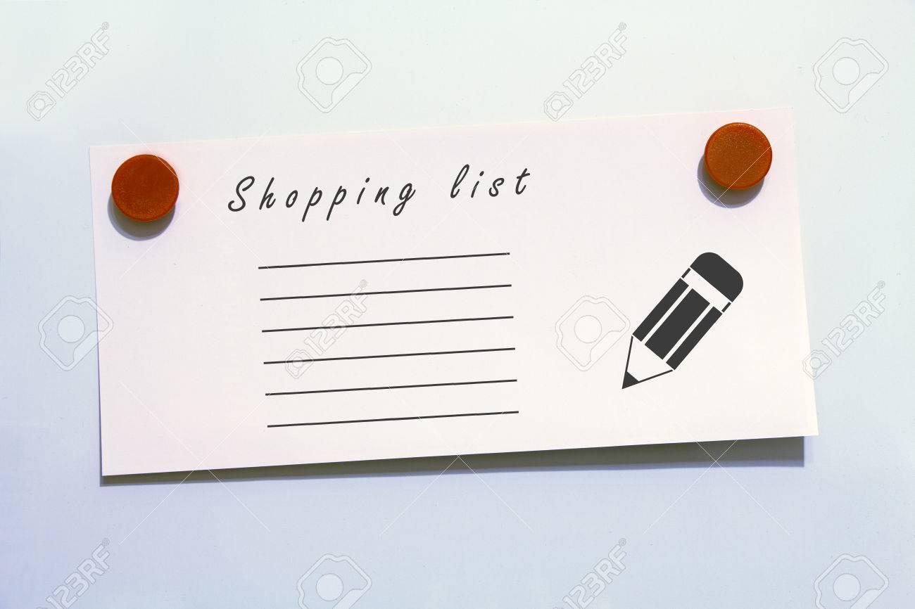 Kühlschrank Einkaufsliste Magnet : Einkaufsliste mit magneten weißen hintergrund lizenzfreie fotos