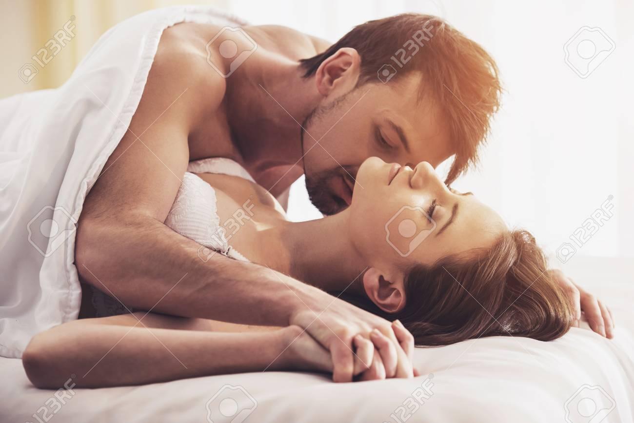 Секс вдвоем дома, Вдвоем Домашнее (найденопорно видео роликов) 20 фотография