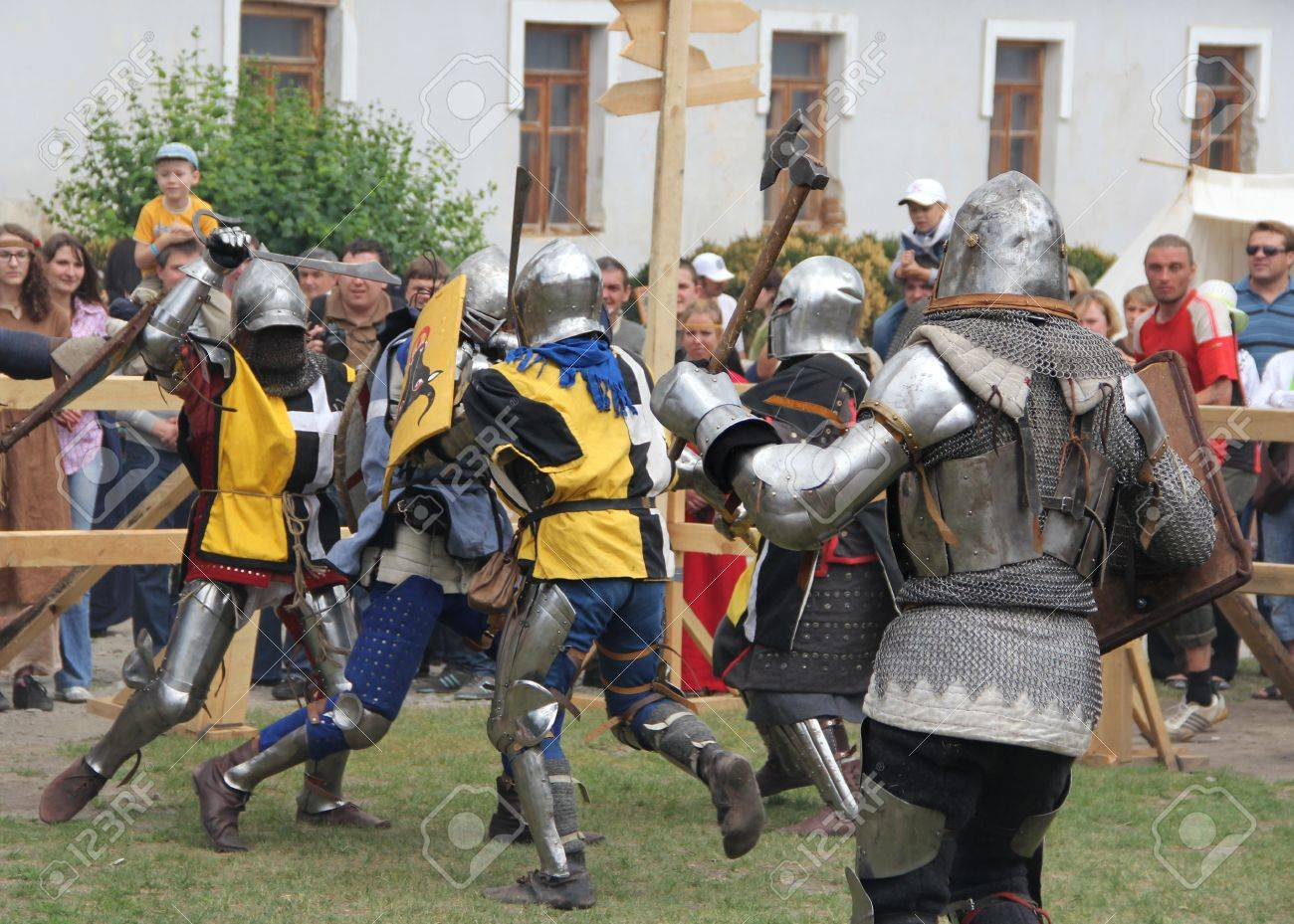 KAMYANETS-PODILSKY- JUNE 2: Fighting knights during Forpost (The Outpost) Festival of Medieval Culture on June 2, Ukraine Stock Photo - 14149090