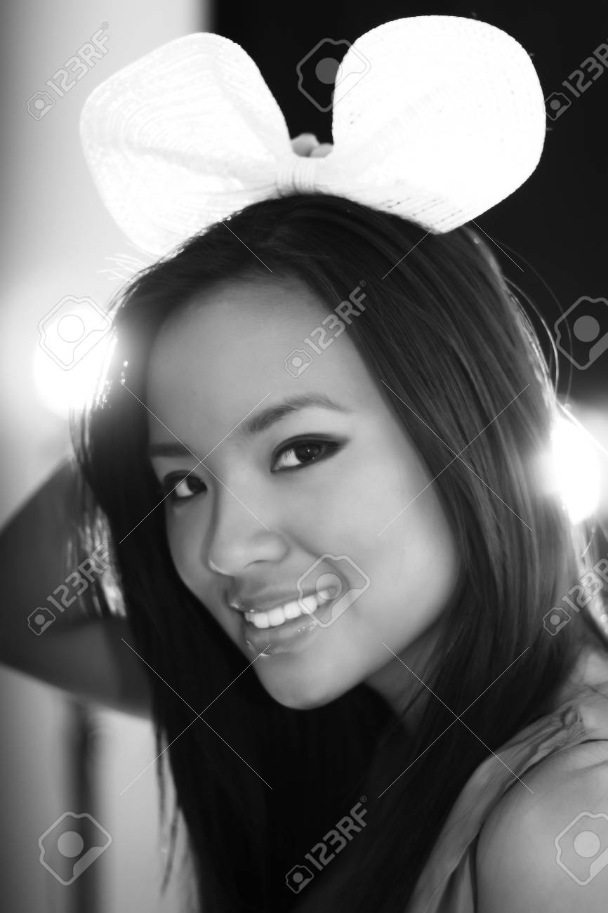 Calm black and white portrait of a young beautiful woman Stock Photo - 9282400