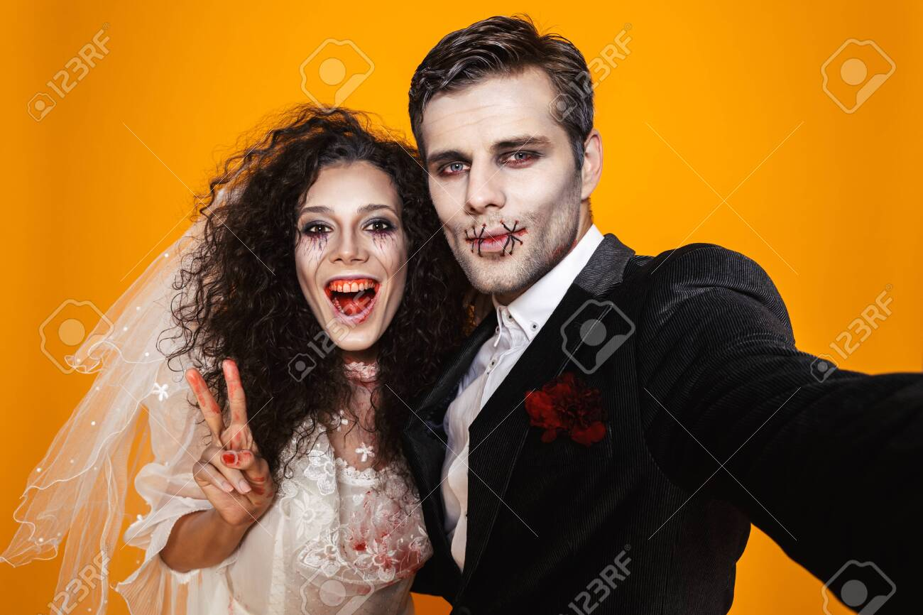 Bride And Groom Halloween Costume.Funny Pretty Zombie Bride And Groom In Halloween Costumes Making