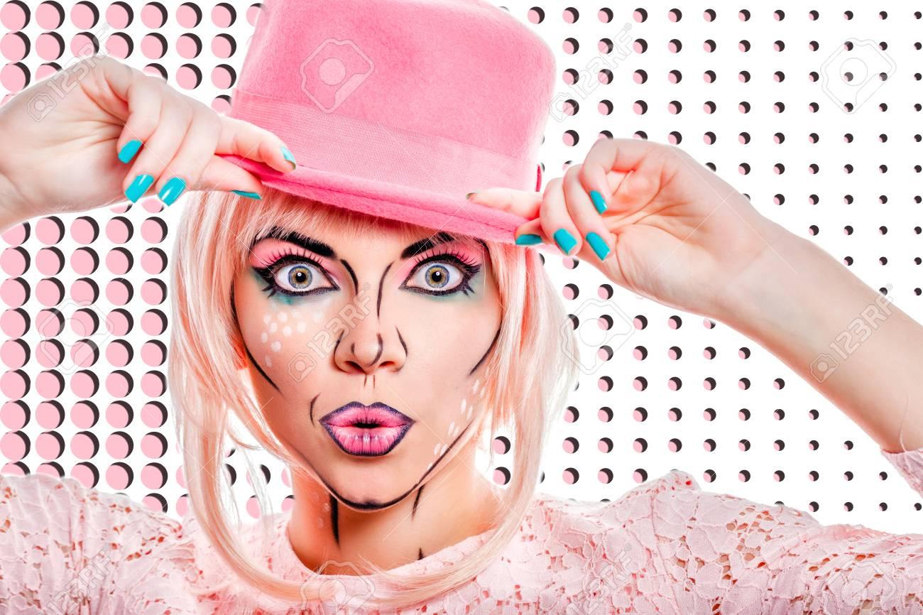 Chica En Sombrero Rosa. Chica Con Maquillaje Creativo En El Estilo ...