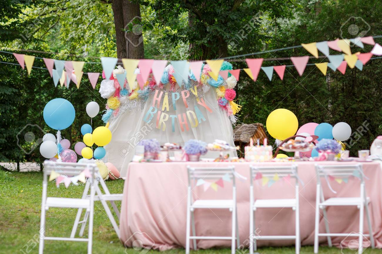 Birthday Party Decorations Standard Bild