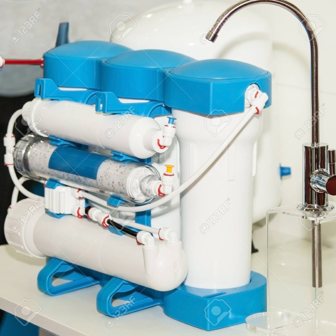 Water purification system. Domestic reverse osmosis filter - 118970276