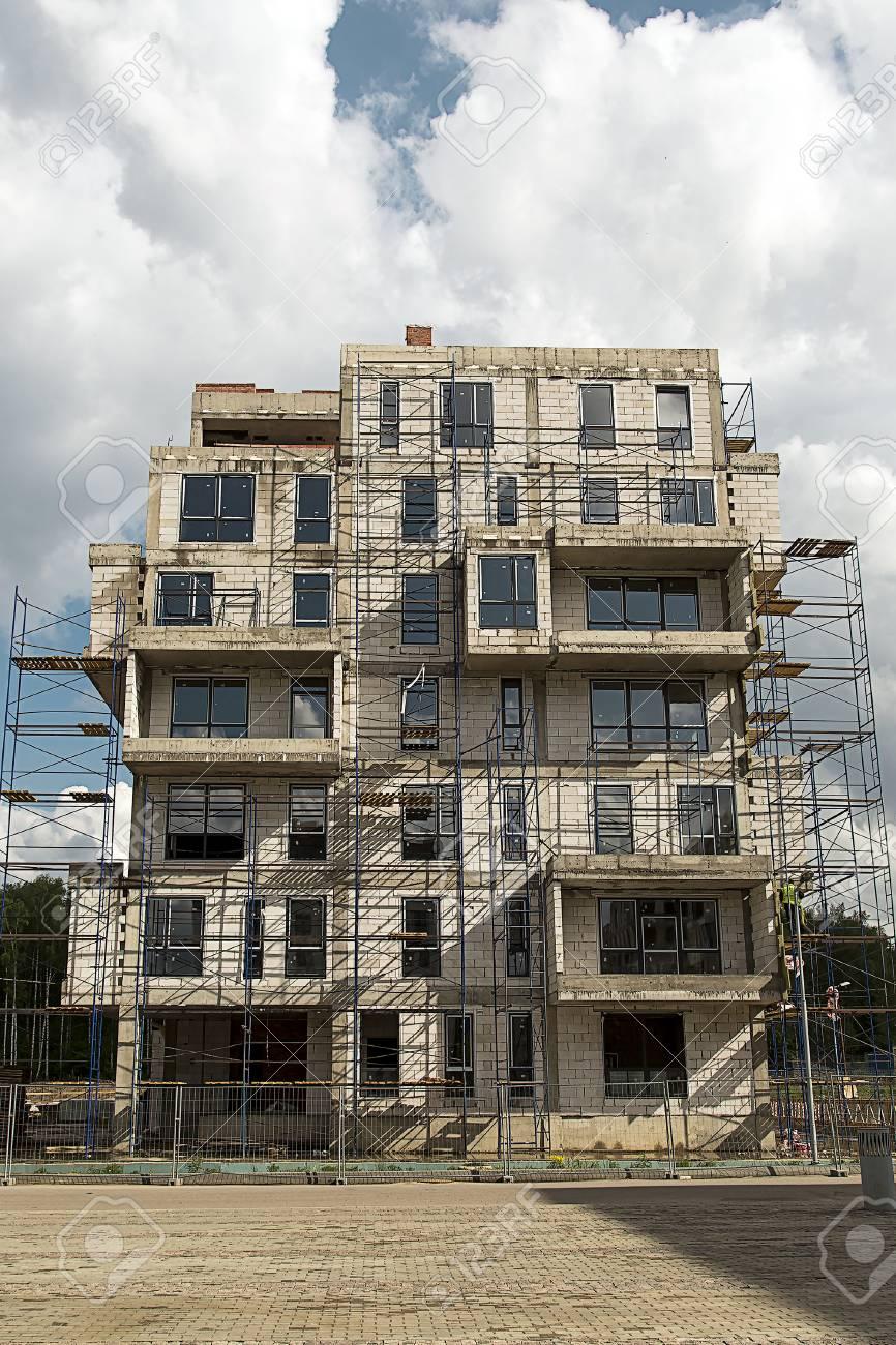 Low-rise construction 92