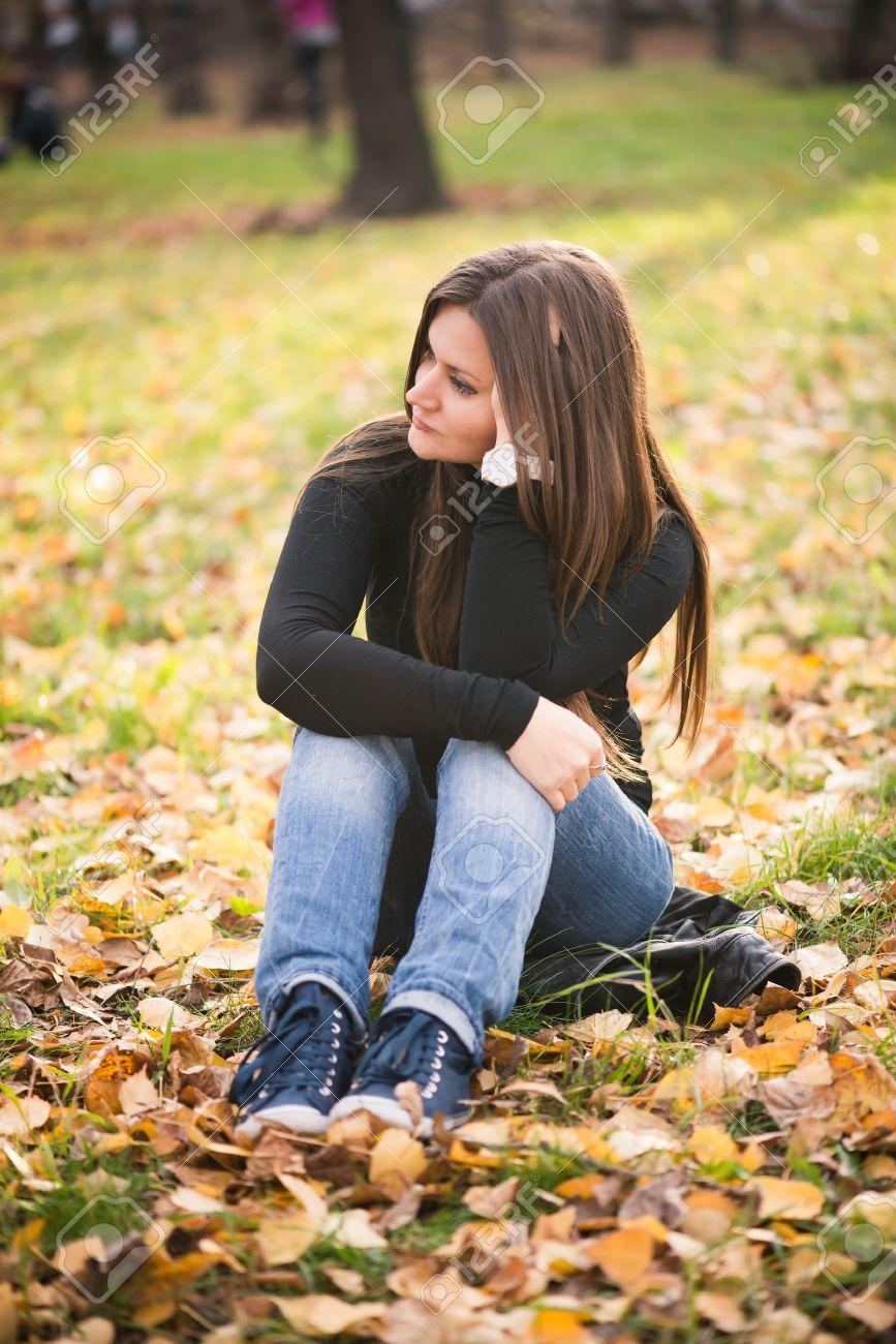 Фото задумчевой девушки 6 фотография