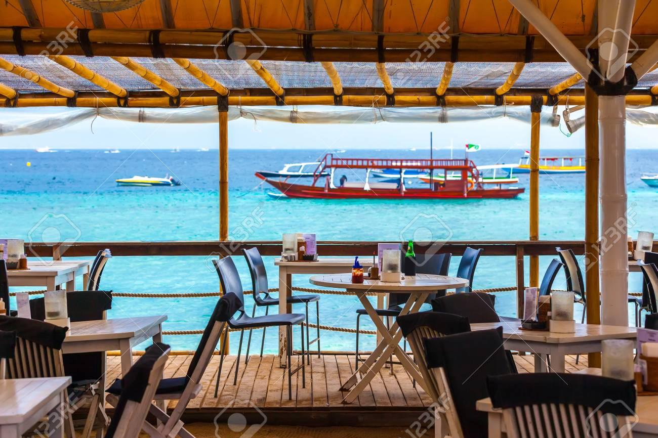 Immagini Stock Caffè Sullo Sfondo Del Mare Azzurro Gili Trawangan
