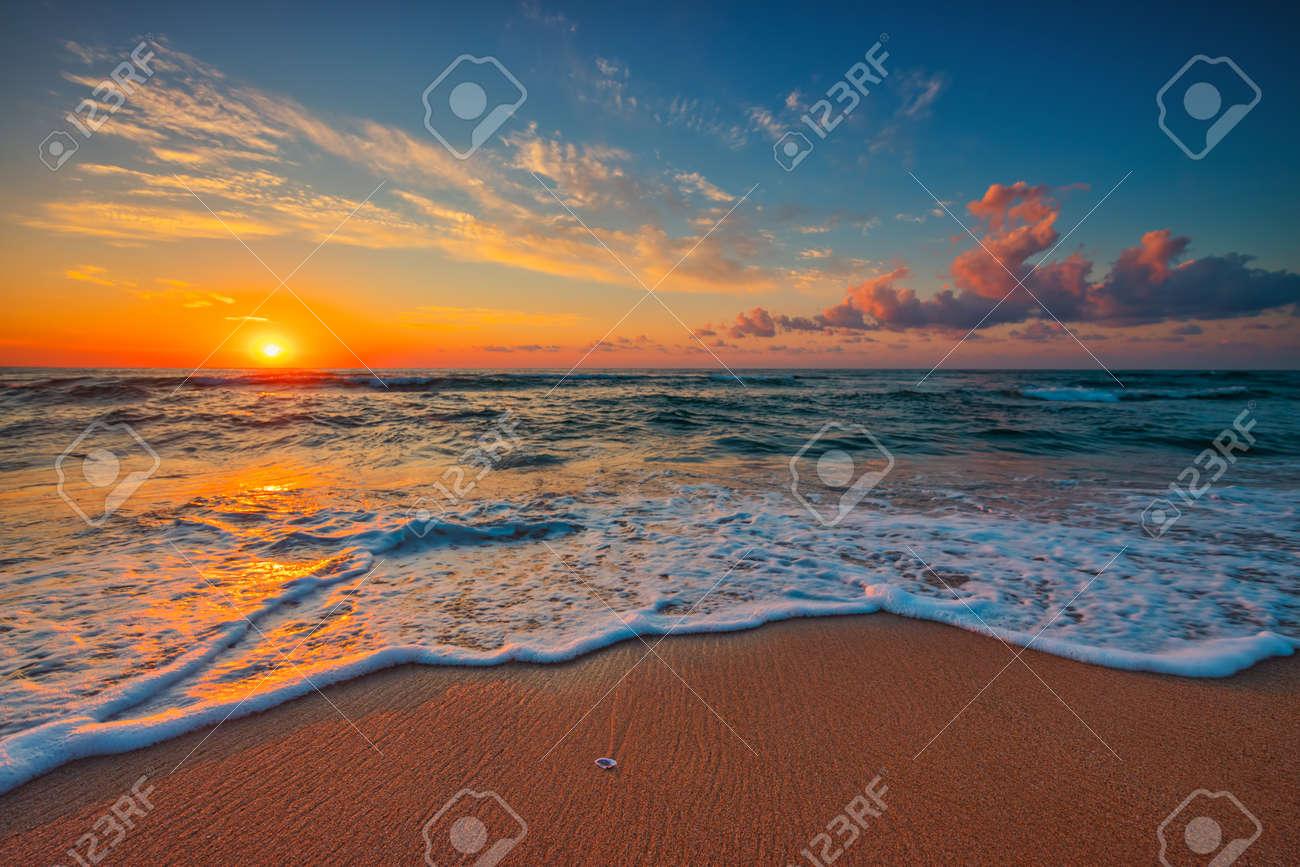 Beautiful cloudscape over the sea, sunrise shot - 154966300