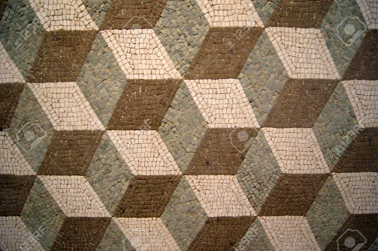 Zwart Witte Tegels : Oude mozaïek van zwart wit en groene tegels royalty vrije foto