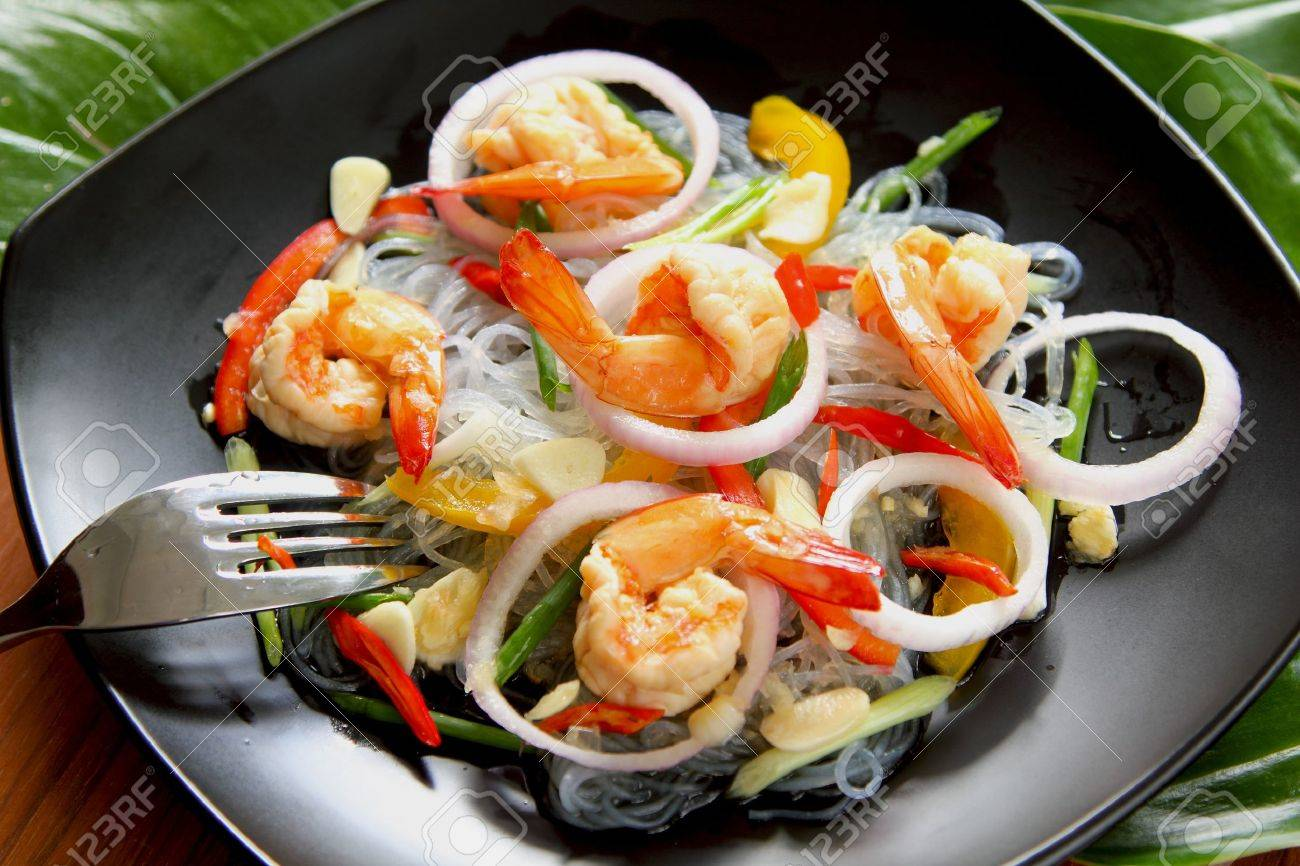 Sour & spicy vermicelli salad with prawn Stock Photo - 10897264